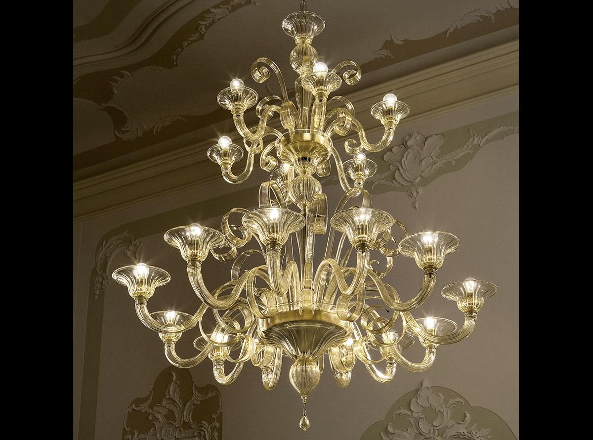 C-2206_18-traditional-venetian-chandeliers2