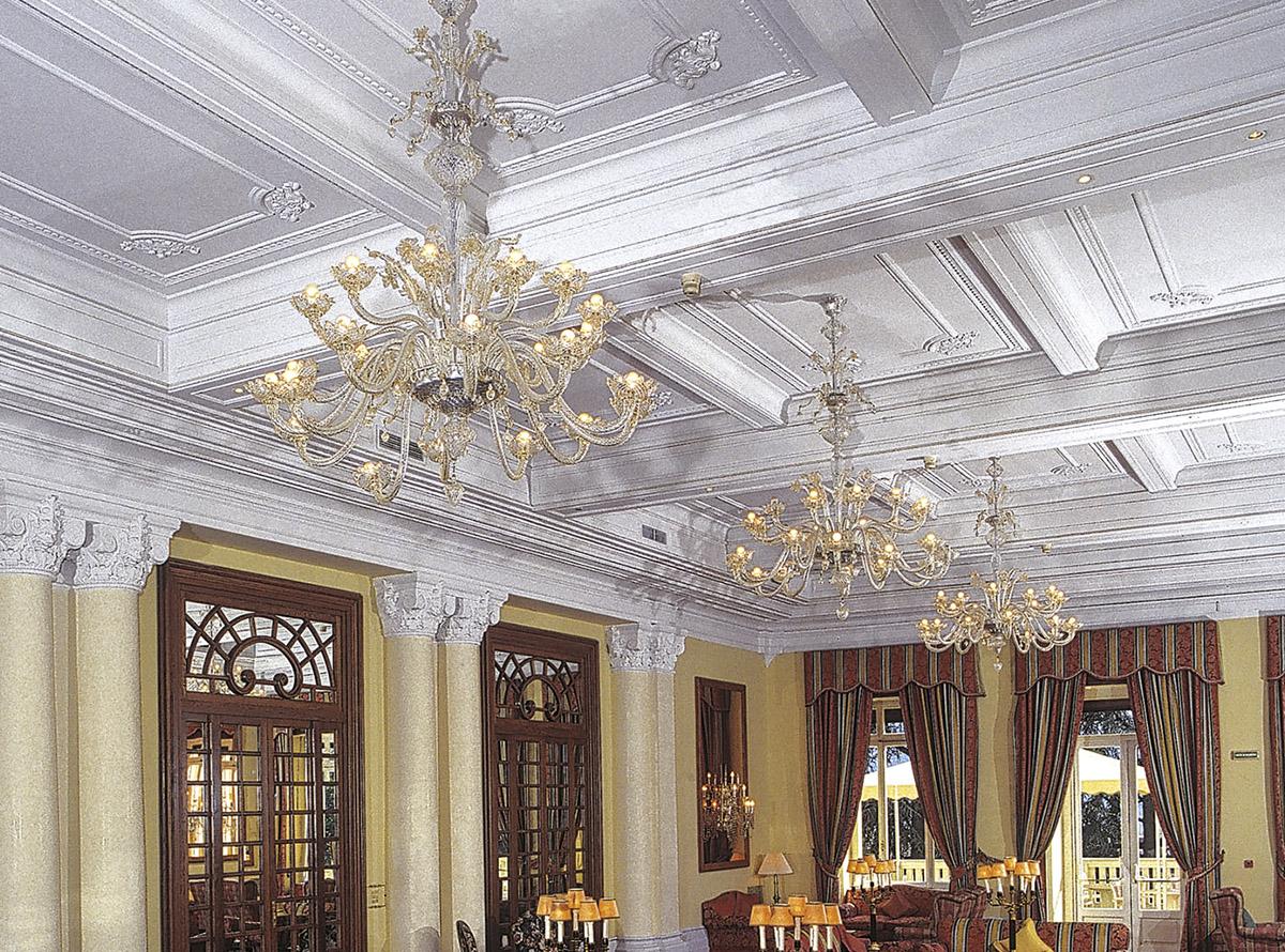 C-Forte1_14-traditional-venetian-chandeliers