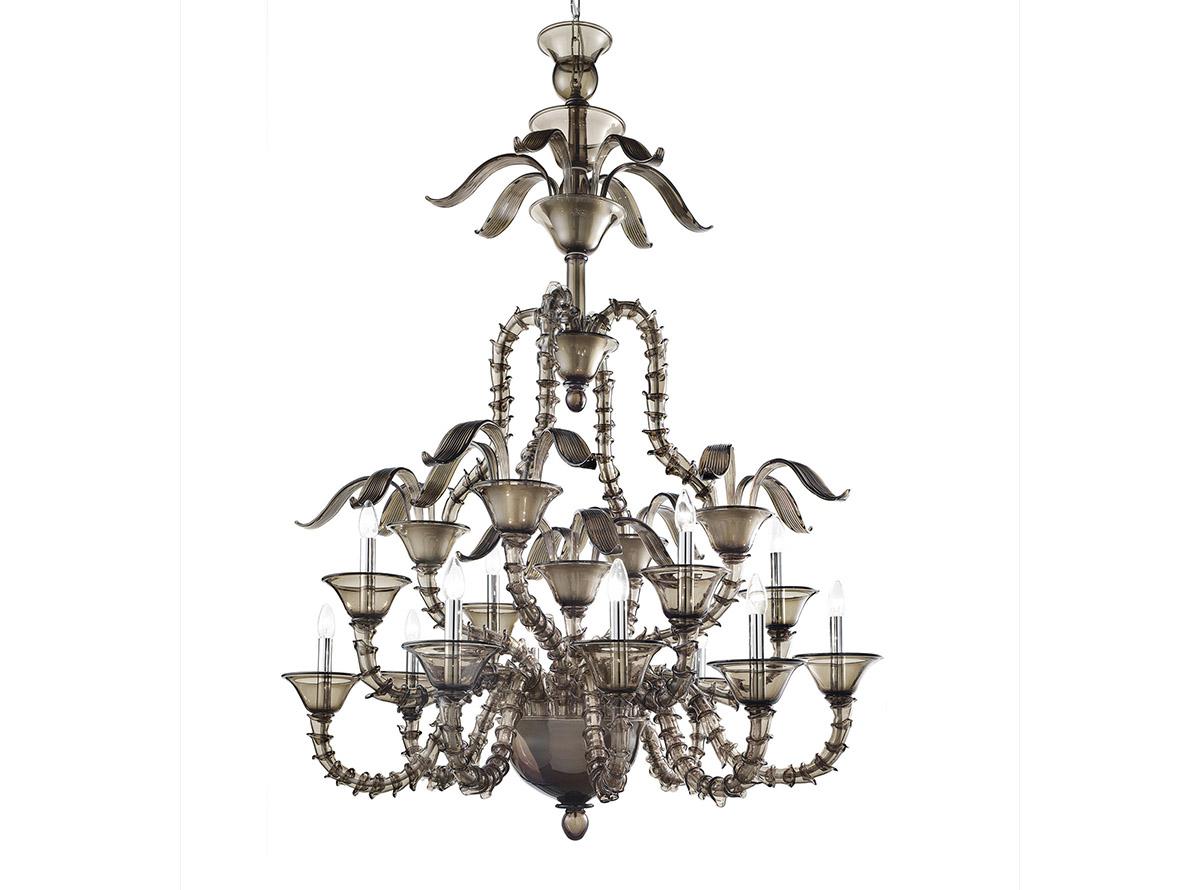 C-Londra_12-traditional-venetian-chandeliers