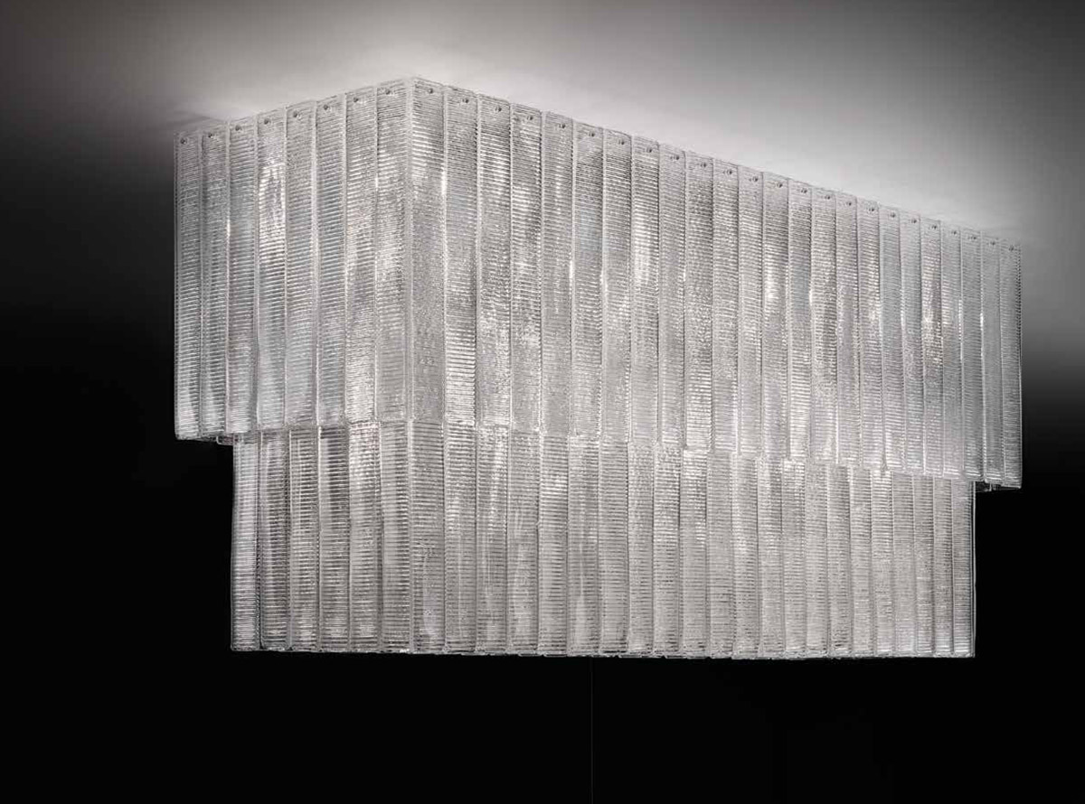 italian-art-glass-chandeliers-reflection_510p