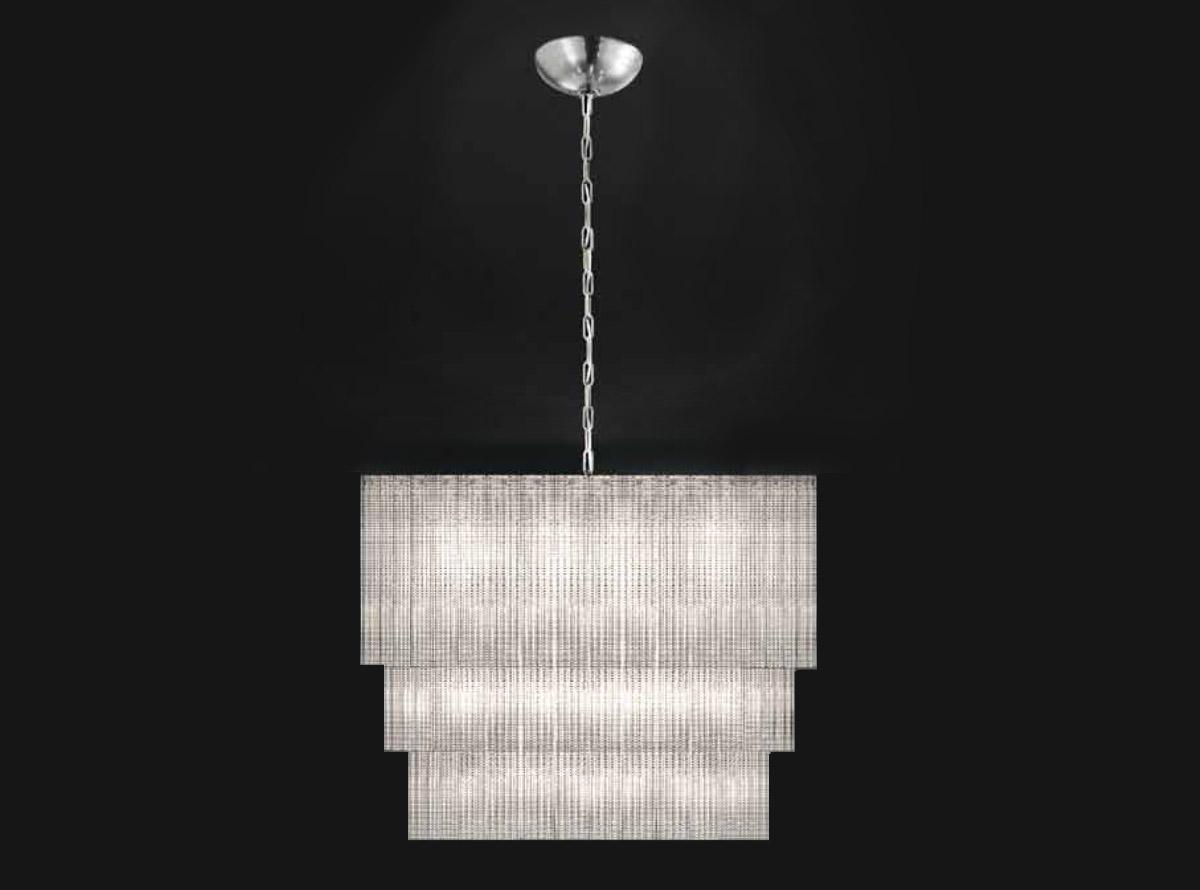 italian-art-glass-chandeliers-reflection_520-s