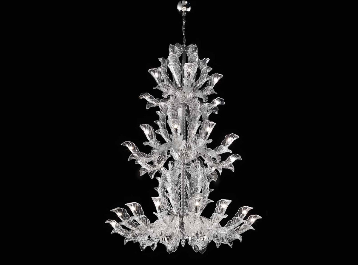The Venetian glass chandelier is renewed: Fresco collection