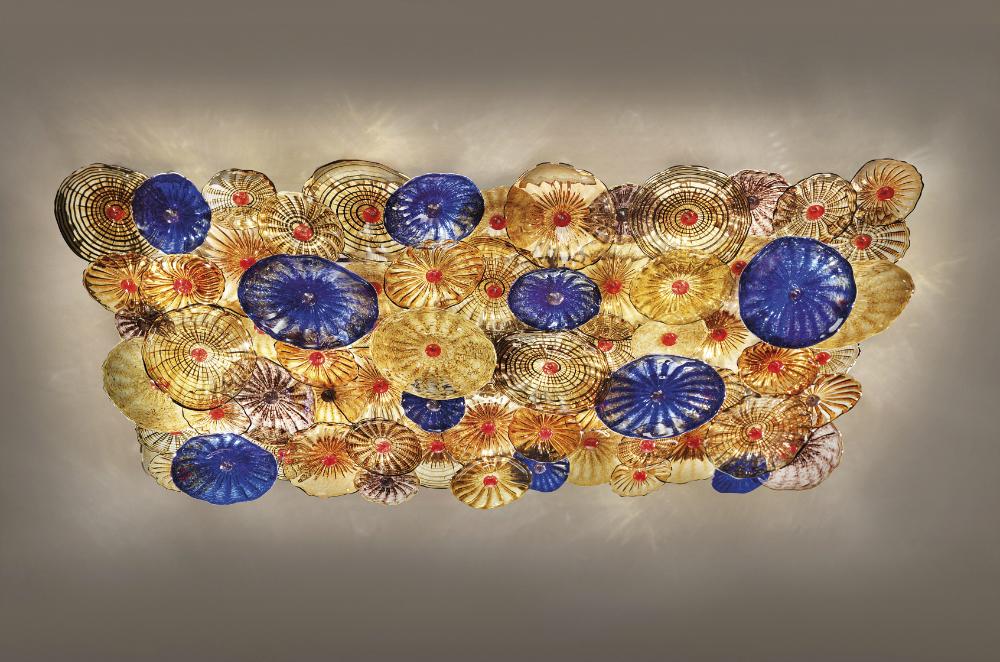 Lampadari fatti a mano in vetro di Murano: luce, forme e colori per il tuo habitat